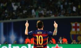 Lionel Messi, do Barcelona, comemora gol contra o Sevilla durante partida da UEFA Super Cup em Tbilisi, na Geórgia 11/08/2015 REUTERS/Grigory Dukor/File Photo