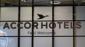 El logo del operador de hoteles francés  Accor en la fachada de la sede del grupo en Issy-les-Moulineaux, cerca de París, el 22 de abril de 2016. REUTERS/Gonzalo Fuentes