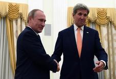 Putin se encontra com Kerry em Moscou. 14/7/2016. REUTERS/Vasily Maximov/Divulgação