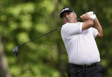 Jun 17, 2016; Oakmont, PA, USA; Angel Cabrera hits his tee shot on the 4th hole during the continuation of the first round of the U.S. Open golf tournament at Oakmont Country Club. John David Mercer-USA TODAY Sports