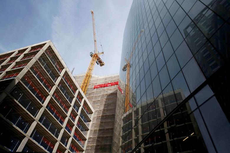 A crane is seen on a construction site in London, Britain July 7, 2016. REUTERS/Neil Hall/File Photo