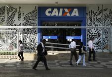 Agência da Caixa Econômica Federal no centro do Rio de Janeiro.   20/08/2014      REUTERS/Pilar Olivares