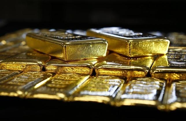 Gold bars are seen at the Austrian Gold and Silver Separating Plant 'Oegussa' in Vienna, Austria, March 18, 2016.   REUTERS/Leonhard Foeger