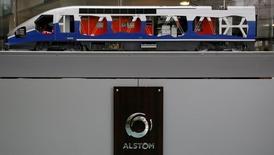 Alstom est une des valeurs à suivre lundi à la Bourse de Paris; L'entreprise a confirmé avoir remporté un contrat de 800 millions d'euros auprès de l'Autorité nationale du rail néerlandais pour la fourniture de 79 trains à grande vitesse pour une mise en service d'ici à 2021. /Photo prise le 11 mai 2016/REUTERS/Gonzalo Fuentes
