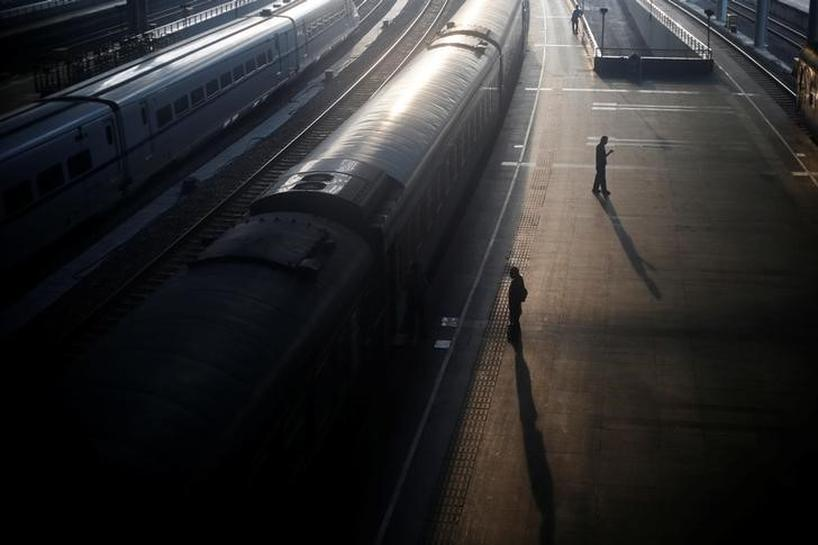 China to expand railway network to 150,000 km by 2020   Reuters