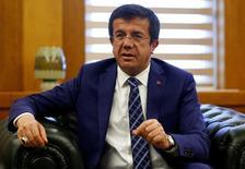 Ministro da Economia da Turquia, Nihat Zeybekci, durante entrevista à Reuters em Ancara.    07/06/2016        REUTERS/Umit Bektas