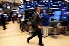 Les marchés américains ont fini en hausse mercredi, le Dow Jones (+0,19%) et le S&P 500 (+0,43%) inscrivant de nouveaux plus hauts records.  REUTERS/Brendan McDermid