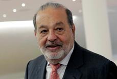 La oferta que el magnate mexicano Carlos Slim presentó para aumentar su posición de control en la empresa española FCC fue aceptada por un 25,66 por ciento del capital de la empresa. Imagen del magnate mexicano Carlos Slim tomada en Ciudad de México, en México, el 15 de junio de 2016. REUTERS/Henry Romero