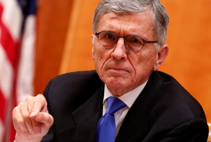 U.S. asks phone companies to provide 'robocall' blocking technology