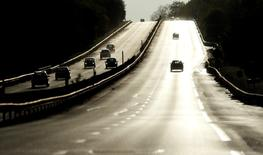 La société d'investissement InfraRed Capital Partners a mis en vente sa participation de 42% dans Atlandes, la société concessionnaire de l'autoroute A63. /Photo d'archives/REUTERS/Regis Duvignau