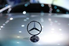 The Mercedes-Benz logo is seen on a Mercedes-Benz F125 concept car that is electrically powered by a hydrogen fuel cell at the Hannover Fair in Hanover, Germany, April 25, 2016.    REUTERS/Wolfgang Rattay