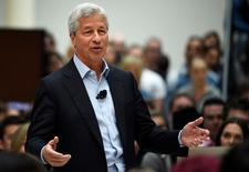 JP Morgan CEO Jamie Dimon speaks at a Remain in the EU campaign event attended  at JP Morgan's corporate centre in Bournemouth, southern Britain, June 3, 2016. REUTERS/Dylan Martinez