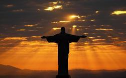 Imagem aérea do Cristo Redentor, no Rio de Janeiro. 02/08/2016 REUTERS/Kai Pfaffenbach