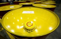 Filled oil drums are seen at Royal Dutch Shell Plc's lubricants blending plant in the town of Torzhok, north-west of Tver, November 7, 2014. REUTERS/Sergei Karpukhin/File Photo
