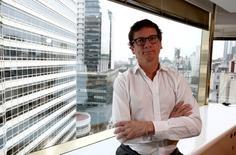 El presidente de HSBC Bank Argentina, Gabriel Martino, posa para una fotografía en su oficina en Buenos Aires, ago 8, 2016. El banco HSBC está incrementando su plantilla para ser el banco global líder de Argentina, en momentos en que inversores y hombres de negocios apuestan a un desarrollo financiero del país tras años de fuertes regulaciones estatales, dijo a Reuters el presidente de la filial local.   REUTERS/Agustin Marcarian