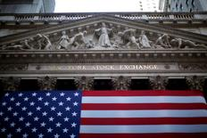 La Bourse de New York a fini mercredi en baisse de 0,2%, l'indice Dow Jones cédant 37,56 points à 18.495,49.  Le S&P-500, plus large, a perdu 0,29% et le Nasdaq Composite 0,4%. /Photo d'archives/REUTERS/Eric Thayer