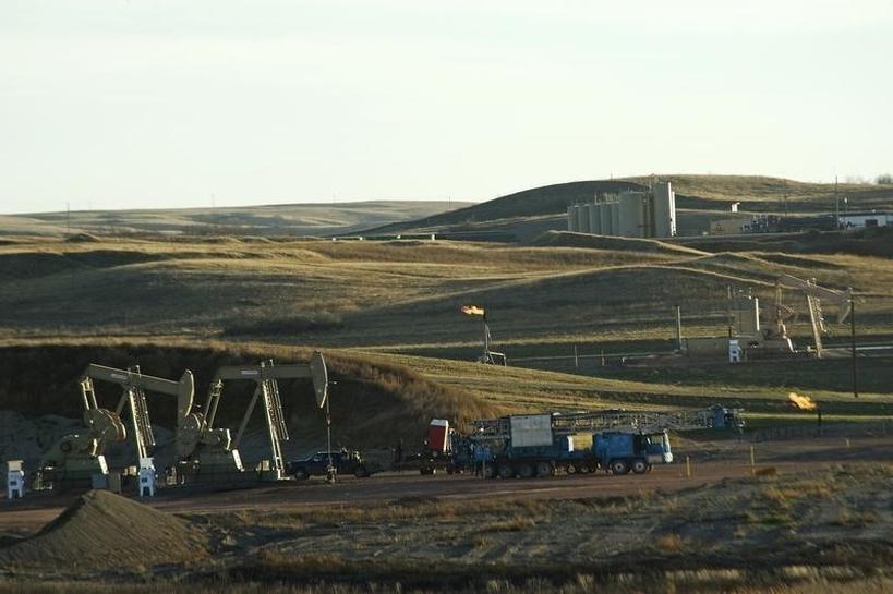 North Dakota oil output seen falling below 1 million barrel/day mark | Reuters