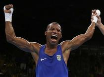 Robson Conceição, após vencer o cubano  14/08/2016 REUTERS/Peter Cziborra