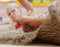 Saltadora russa Darya Klishina compete durante Mundial de Atletismo de 2015 em Pequim 27/08/2015 REUTERS/Phil Noble/Foto de Arquivo