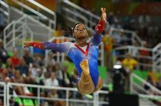 2016 Rio Olympics - Artistic Gymnastics - Final - Women's Floor Final - Rio Olympic Arena - Rio de Janeiro, Brazil - 16/08/2016. Simone Biles (USA) of USA competes.  REUTERS/Mike Blake
