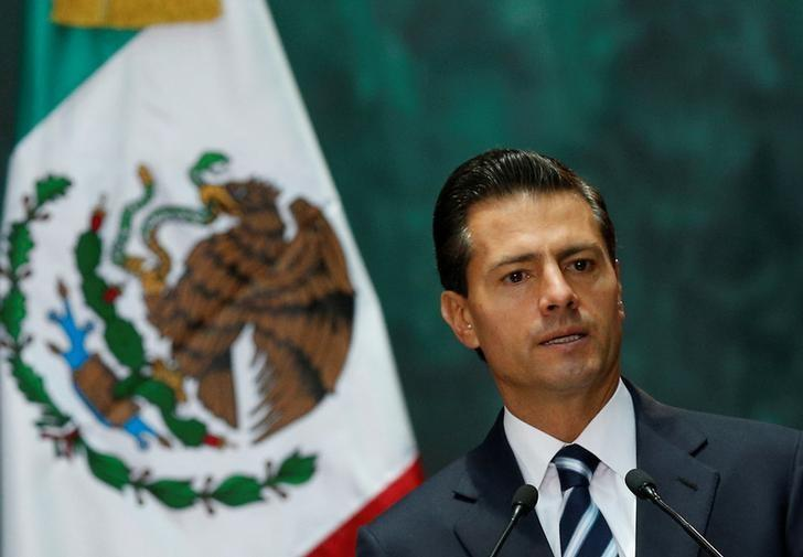 Mexico president says he's willing to meet with Trump