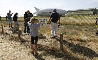 World's longest airship crashes