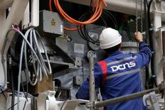 Le constructeur naval militaire DCNS a été victime en 2011 d'un vol de données et non d'une fuite et aucune négligence n'a été identifiée dans la sécurité informatique du groupe, selon une source gouvernementale. /Photo prise le 26 avril 2016/REUTERS/Stéphane Mahé