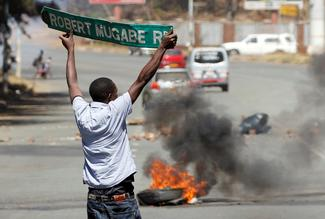 Anti-Mugabe protests turn violent