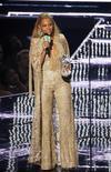 Beyoncé recebendo prêmio no VMA 2016, em Nova York.      29/08/2016        REUTERS/Lucas Jackson