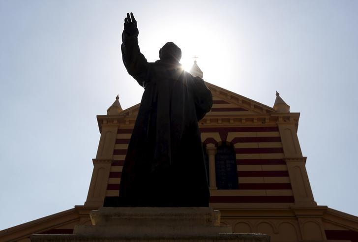 A statue stands outside the Saint Joseph Roman Catholic Church in Cairo, Egypt March 5, 2016. REUTERS/Mohamed Abd El Ghany