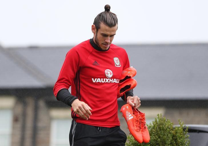 Britain Football Soccer - Wales Training - The Vale Resort, Hensol, Vale of Glamorgan, Wales - 31/8/16Wales' Gareth Bale arrives for trainingAction Images via Reuters / Matthew ChildsLivepic