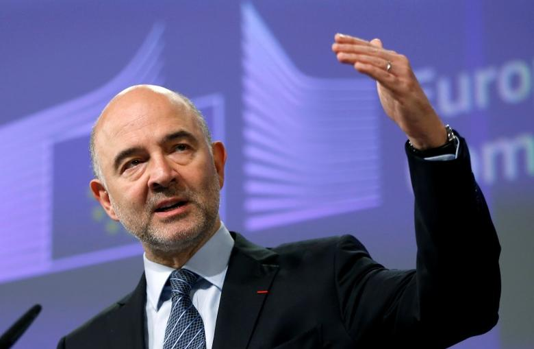 European Economic and Financial Affairs Commissioner Pierre Moscovici addresses a news conference at the EU Commission headquarters in Brussels, Belgium, July 27, 2016. REUTERS/Francois Lenoir  - RTSJW0O