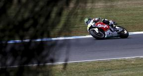 LCR Honda MotoGP rider Cal Crutchlow of Britain rides during free practice 3 before the Australian Grand Prix on Phillip Island, October 17, 2015. REUTERS/Brandon Malone