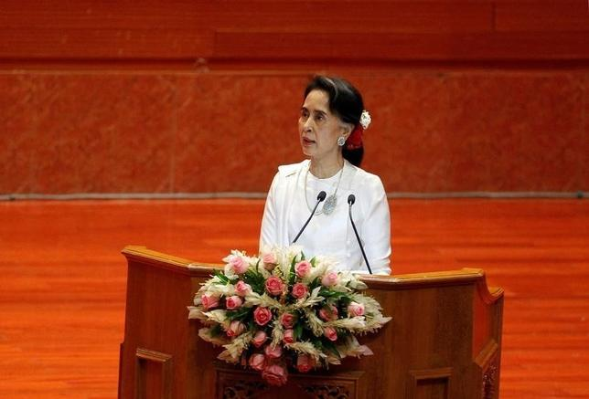 State Counsellor of Myanmar Aung San Suu Kyi addresses the opening ceremony of the 21st Century Panglong Conference in Naypyitaw, Myanmar August 31, 2016. REUTERS/Soe Zeya Tun/Files