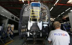 Alstom va transférer d'ici fin 2018 les activités de production de trains et de bureau d'études de son site de Belfort vers celui de Reichshoffen, en Alsace, pour tenir compte de la baisse des commandes en France. Belfort, site historique du constructeur ferroviaire, compte 480 salariés. /Photo prise le 31 août 2016/REUTERS/Régis Duvignau