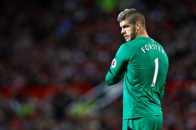 Southampton's Fraser Forster. Manchester United v Southampton - Premier League - Old Trafford - 16/17 -  19/8/16. Action Images via Reuters / Jason Cairnduff