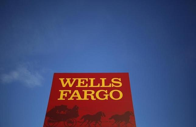 A Wells Fargo branch is seen in the Chicago suburb of Evanston, Illinois, February 10, 2015.  REUTERS/Jim Young
