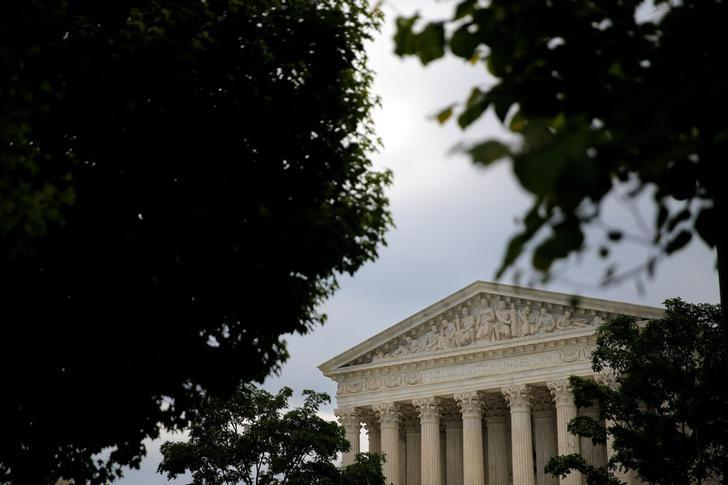 A general view of the U.S. Supreme Court building in Washington, U.S., May 19, 2016.  REUTERS/Carlos Barria