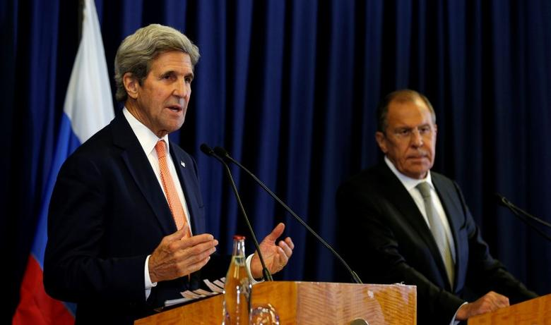 U.S. Secretary of State John Kerry and Russian Foreign Minister Sergei Lavrov hold a press conference following their meeting in Geneva, Switzerland where they discussed the crisis in Syria September 9, 2016. REUTERS/Kevin Lamarque