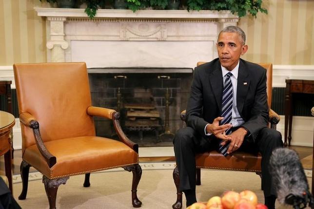 9月12日、米ホワイトハウスのアーネスト報道官は、2001年の米同時攻撃をめぐり、遺族などがサウジアラビア政府に損害賠償訴訟を提起できるようにする法案にオバマ大統領が拒否権を発動する方針だと述べた(2016年 ロイター/CARLOS BARRIA)