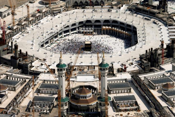 Aerial view of Kaaba at the Grand mosque in Mecca September 13, 2016.  REUTERS/Ahmed Jadallah