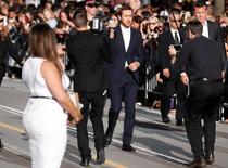 """Ator Gosling chega para tapete vermelho de """"La La Land"""" em Toronto.  12/9/2016.    REUTERS/Mark Blinch"""