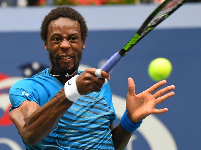 Sept 9, 2016; New York, NY, USA;   Gael Monfils of France playing Novak Djokovic of Serbia on day twelve of the 2016 U.S. Open tennis tournament at USTA Billie Jean King National Tennis Center. Mandatory Credit: Robert Deutsch-USA TODAY Sports
