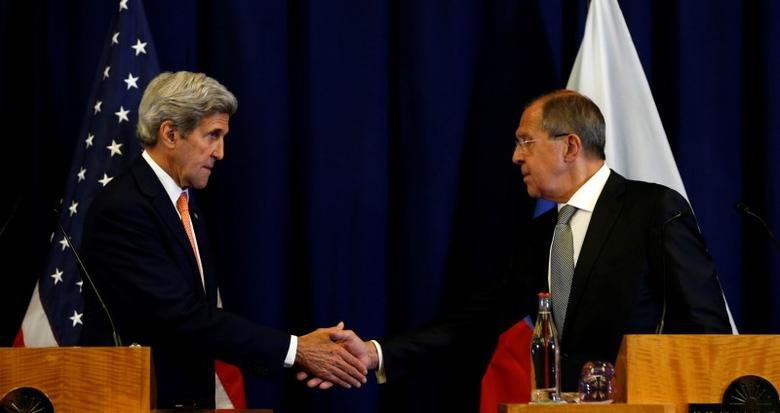 U.S. Secretary of State John Kerry and Russian Foreign Minister Sergei Lavrov shake hands at the conclusion of their press conference following their meeting in Geneva, Switzerland where they discussed the crisis in Syria September 9, 2016.REUTERS/Kevin Lamarque