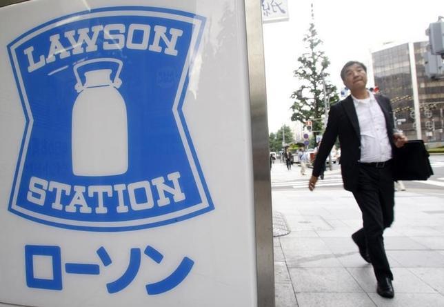 9月15日、三菱商事がコンビニエンスストア業界第3位のローソンを子会社化することが分かった。都内で2008年7月撮影(2016年 ロイター/Kim Kyung Hoon)
