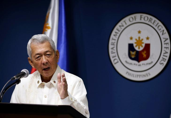 Philippines Foreign Affairs Secretary Perfecto Yasay speaks during a news conference at the Department of Foreign Affairs in Pasay city Metro Manila, Philippines July 27, 2016. REUTERS/Erik De Castro