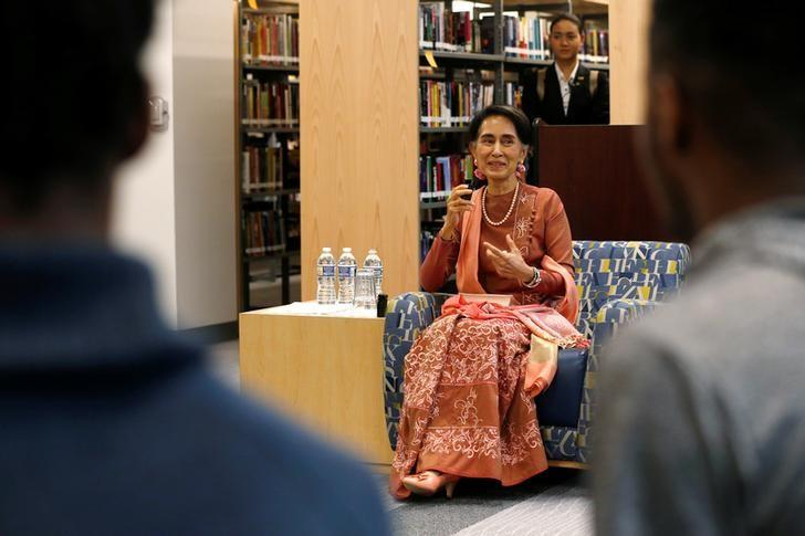 Myanmar's State Counsellor Aung San Suu Kyi speaks to students in a round-table discussion on a visit to Roosevelt High School in Washington, U.S. September 15, 2016. REUTERS/Jonathan Ernst