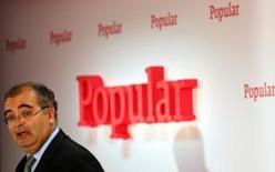 Banco Popular está analizando colocar en bolsa 6.000 millones de euros de activos inmobiliarios tóxicos, publicó el viernes El País. En la imagen de archivo, el presidente de Popular, Ángel Ron, en una presentación en Madrid. REUTERS/Sergio Pérez