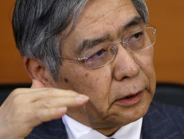 9月16日、日銀の黒田東彦総裁(写真)は、関係閣僚会議で、国際金融市場の動きについて「米国の利上げ時期をめぐる市場の思惑を背景に、やや振れの大きい動きとなっている」との認識を示した。日銀で3月撮影(2016年 ロイター/Toru Hanai)
