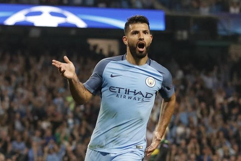 Britain Soccer Football - Manchester City v Borussia Monchengladbach - UEFA Champions League Group Stage - Group C - Etihad Stadium, Manchester, England - 14/9/16Manchester City's Sergio Aguero celebrates scoring their third goal to complete his hat trickAction Images via Reuters / Carl RecineLivepic